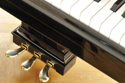 ピアノペダル