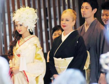 母 リラ 結婚式 沢尻エリカ 兄 画像 澤尻剣士 飲食店 桜藩 店長
